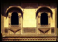 Jharokha - Patwa-Ki-Haveli, Jaisalmer (Rajasthan) (Anupam Mukherjee) Tags: travel india heritage tourism architecture canon indie indi indien jaisalmer rajasthan inde haveli madeinindia  barato indija   ndia  jharokha patwonkihaveli incredibleindia  patwakihaveli intia   jharoka   hindiya      indja   anupammukherjee anupammukherjeephotography