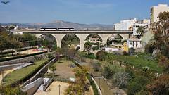 2500 sobre el río Amadorio (lagunadani) Tags: 2500 rio riada villajoyosa puente bridge fgv tram alicante parque amadorio narrowgauge man tren ferrocarril trenet automotor desel