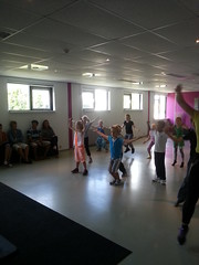 "zomerspelen 2013 hiphop clinic • <a style=""font-size:0.8em;"" href=""http://www.flickr.com/photos/125345099@N08/14220564019/"" target=""_blank"">View on Flickr</a>"