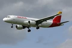 Iberia Airbus A320-214 (EC-ILR) (TFG Lau) Tags: london heathrow airbus ib lhr a320 iberia oneworld egll ibe oneworldalliance ecilr ahkgapworldwide