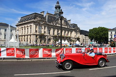 MG TD '53 (Fido_le_muet) Tags: de demo place jean grand mg demonstration prix tours rue rallye 1953 1923 touristique td nationale 2014 jaures typet 91e