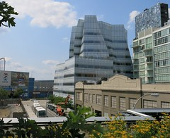 Sunday Colours - Izod (Lacoste), Frank (Gehry) and Jean (Nouvel) (Pushapoze (MASA)) Tags: newyorkcity westsidehighway frankgehry highline jeannouvel thewestside izodlacoste