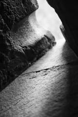 Difese dalla luce (AO) (Ondablv) Tags: light italy silhouette canon photography eos photo italia foto image photos tag ombra images ombre lama castello bianco nero luce controluce aosta giochi cerchio immagine immagini feritoia contro fenis 70d castellodifenis versolaluce feritoie castellofenis ondablv canoneos70d canon70d eos70d