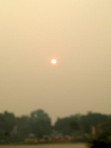 Sun in Haze, Singapore