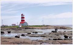 Phare de Pointe-des-Monts (1)