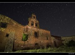 Beaterio de San Romn - Startrail (Pogdorica) Tags: noche iglesia ruinas estrellas nocturna soria campanario startrail medinaceli sanroman beaterio