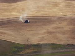 P1000261 (DiscoFreer) Tags: wheatfields palouse combines steptoebutte