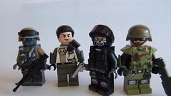 Fig Barf (~J2J~) Tags: lego military minifigure brickarms brickforge minifigcat figbarf eclipsegrax
