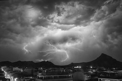 Sierra elctrica 2 (Alberto E.B.) Tags: bw blanco negro bn nubes tormenta rayo montaa nube montaas rayos tormentas
