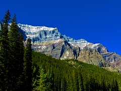 LAKE MORAINE 2014 (PHILIP CHIRCOP) Tags: rockies banff banffnationalpark canadianrockies lakemoraine