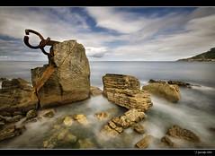 Mar adentro XXI (Pogdorica) Tags: mar escultura donosti sansebastian eduardo rocas chillida maradentro peinedelviento filtrond playaondarreta