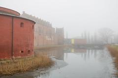 In the Mist (Infomastern) Tags: malmö malmömuseer malmöhusslott castle dimma fog moat slott vallgrav