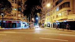 noturna Copacabana (luyunes) Tags: copacabana cidade urbano riodejaneiro noite luz motoz luciayunes