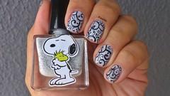 Snoopy - EDK + He He 004 (Raabh Aquino) Tags: unhas branco nailpolish snoopy glitter white stamp
