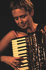 Sarah Allen (Flook) – Louisbourg Crossroads – 10/15/03 (photo: Louis De Carlo)