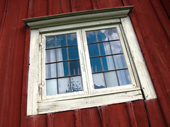 Shabby Window wooden house (Olof S) Tags: old red building window architecture farmhouse countryside photo wooden interesting europe view sweden decay fenster painted schweden swedish environment nordic sverige scandinavia dalarna suede suecia fenetre shabby svezia szwecja falu frfall