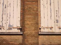 Window shutters in Ieper (België 2014) (paularps) Tags: arps paularps europe europa 2014 belgië belgium ieper ypres worldwari worldwarone worldwar1 wwi memorial fieldsofhonour poppies thegreatwar greatwar 19141918 wargraves wargravescommission commonwealthwargraves salient ypressalient battlefields unesco worldheritage