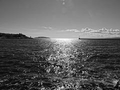 Marseille, le J4 (Hlne_D) Tags: sea blackandwhite bw mer lighthouse france museum marseille noiretblanc muse nb paca provence phare mediterraneansea vieuxport j4 mditerrane bouchesdurhne mermditerrane provencealpesctedazur diguedularge mucem musedescivilisationsdeleuropeetdelamditerrane hlned diguesaintemarie diguestemarie feudelajoliette