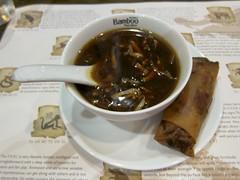 hot & sour soup for starters (Riex) Tags: california food asian lunch cuisine soup restaurant sunnyvale plate bamboo meal appetizer nourriture springroll asiatique repas hotsour entree s95 rouleaudeprintemps canonpowershots95