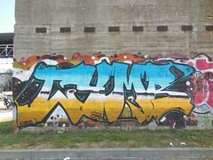 DSCN7025 (en-ri) Tags: muro wall writing torino graffiti giallo co arrow azzurro furio cymb