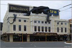 Lord of the Rings Premiere Embassy Theatre (Peter Heuts) Tags: 2003 new newzealand 2004 canon island photography fotografie south north zeeland powershot peter zealand northisland southisland s50 neuseeland nieuwzeeland nieuw heuts peterheuts