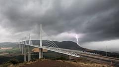 Viaduc de Millau (nkzr) Tags: france canon landscape paysage orage 1022 millau viaduc aveyron frpix