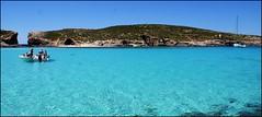 Caribbean feeling (tor-falke) Tags: sailboat boot boat wasser europa europe sony malta segelboot comino mittelmeer sonyalpha alpha200 torfalke flickrtorfalke alpha200230
