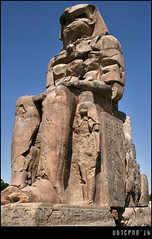 West (or South) Colossus of Memnon (Ubierno) Tags: summer ro river holidays egypt nile cairo verano egipto luxor vacaciones necropolis valleyofthekings thebes egypte  memnon caire nilo colossiofmemnon elcairo amenhotepiii   valledelosreyes tebas  colososdememnn ubierno gebelelsilsila