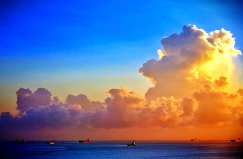 Nascer do sol visto da janela do Hotel Luzeiros .  São Luís, Maranhão - Brasil