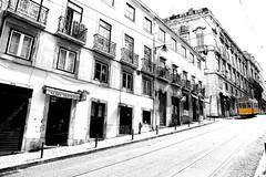 Lisboa - Eléctrico 28 (ISO 69) Tags: blackwhite lisboa tram lissabon fantastico tram28 prazeres nr28 electrico28 eléctrico28
