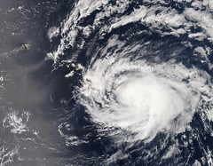 Hurricane Iselle approaching the Hawaiian Islands (NOAASatellites) Tags: islands satellite hurricane nasa hawaiian honolulu noaa approaching iselle jpss nesdis viirs suominpp visibleinfraredimagingradiometersuite noaasatellites