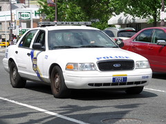 Philadelphia Police Department Unit 1721 (Canadian Emergency Buff) Tags: usa ford philadelphia car america cops pennsylvania united police victoria cop crown states department dept ppd of
