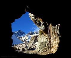 desde el tunel ! (robert supertramp) Tags: wild naturaleza mountain snow cool nieve andes tunel frio montain cordillera lamanoamiga