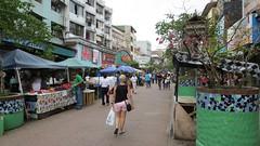 Avenue central: winkelstraat voor locals