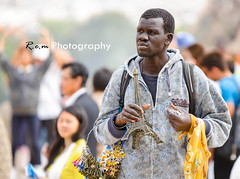 DSC_5881 (chidokun) Tags: portrait paris kids tour eiffel trocadero enfant seller