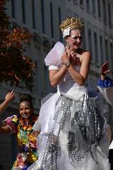Lyon - 16me biennale de la danse (larsen & co) Tags: france lyon rhne panasonic biennaledeladanse ledfil lyonbiennaledeladanse fz1000 biennaledeladanse2014 panasoniclumixdmcfz1000 dmcfz11000 10mebiennaledeladanse dfildelabiennale2014 16mebiennaledeladanse dfil2014