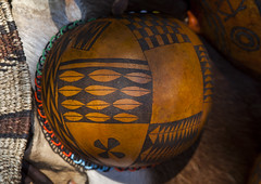 Beautifully Hand Carved Calabash From Anuak Tribe, Gambela, Ethiopia (Eric Lafforgue) Tags: africa old art horizontal creativity outdoors photography day african object sudan border decoration craft nobody nopeople tribal carving used container gourd instrument dried agriculture ethiopia tribe anthropology decorated hornofafrica calabash tribalart singleobject artandcraft colorpicture manmadeobject colourimage gambela indigenousculture anuak kalabasse gambella kalabas anyuak colourpicture artisticproduct agnwak anywaa ethio1400171