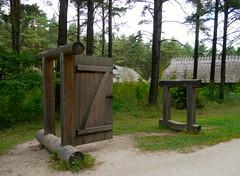 Muse de plein-air de Rocca al Mare prs deTallinn, Estonie (Marie-Hlne Cingal) Tags: door puerta tallinn porta porte tr estonie eestie
