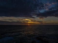 IMG_0350 (assadi200) Tags: mer de vent soleil eau coucher amour corniche dakar nuages vagues ballade rochers sngal sentimentale