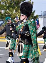 (lcross4) Tags: asbury park st patricks parade 2017 bagpipes marching kilts