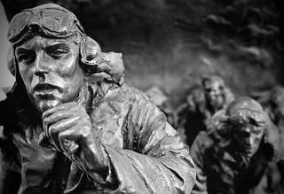 The Scramble - RAF pilots run to their aircraft (Bronze Sculpture)