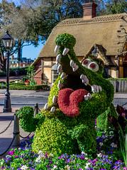 TickTock Croc (Disney in the Details) Tags: peterpan epcot flowerandgardenfestival ticktock wdw topiary unitedkingdompavilion