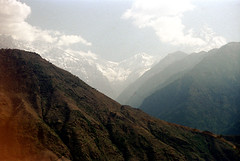 21-180 (ndpa / s. lundeen, archivist) Tags: nepal sky mountain mountains color film clouds rural 35mm landscape 21 nick nepalese peaks 1970s 1972 himalayas himalayan snowcovered nepali dewolf nickdewolf photographbynickdewolf reel21 hillyregion