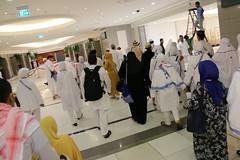 rombongan menuju bis (laviosa) Tags: family candid haram mecca umroh 2014 mekkah jabalrahmah masjidil masjidilharam jabaltsur arminareka pullmangrandzamzam