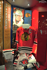 Chicago Blackhawks (Bill Maksim Photography) Tags: winter etched food toronto ontario tower classic ice cup hockey glass roy cn gold penguins hall goal goalie downtown tour adams fame gear mario location ceiling arena kings richard stanley winner hours rocket bruins olympic kane hull messier leafs canadians flyers orr canadiens address presidents hold esposito jagr malkin crosby hasek howe gretzky yzerman bossy forsberg overtime maksim ovechkin reigning lundqvist hhof sakic datsyuk connsmythe