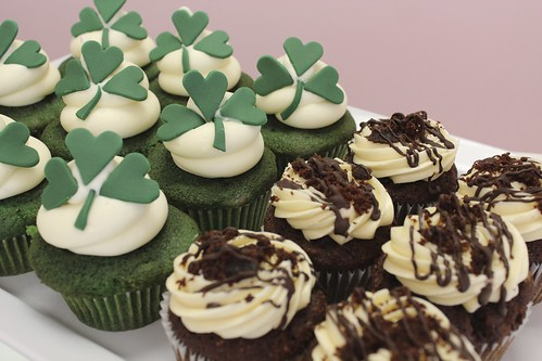 Green Velvet and Kahlua Mudslide Cupcakes