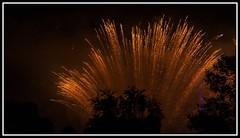 """Danse avec les toiles"" - 10/13 (Guenever45) Tags: fireworks couleurs explosion bourgogne nuit lumires toiles feudartifice yonne ruggieri rognylesseptecluses fuses spectaclepyromlodique danseaveclestoiles"