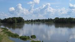 Saint-Benoît-sur-Loire, vue de Guilly (45) (Yvette G.) Tags: 45 abbaye loiret saintbenoîtsurloire guilly abbayedefleury