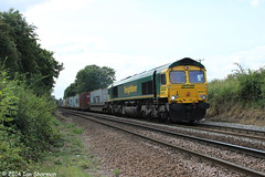 66571 6th Aug 2014 Westerfield (Ian Sharman 1963) Tags: train bristol diesel shed engine loco 66 class container locomotive aug felixstowe 6th 2014 freightliner westerfield 66571