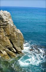 Asturian coast - Costa asturiana (Paco_NaturePhotography) Tags: sea españa costa naturaleza nature landscape coast mar spain waves oleaje asturias paisaje panasonic reef olas acantilado costaasturiana escollo naturalezacautivadora asturiancoast pacovalero